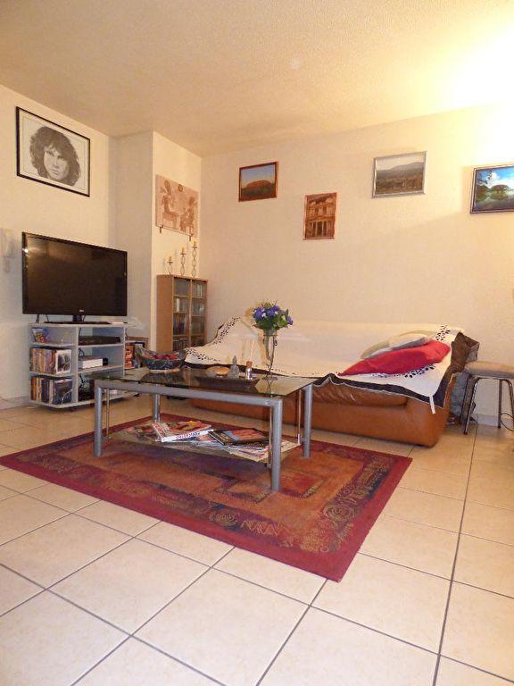 vente appartement 2 pieces alfortville: 2 pièces 45 m², séjour lumineux avec terrasse