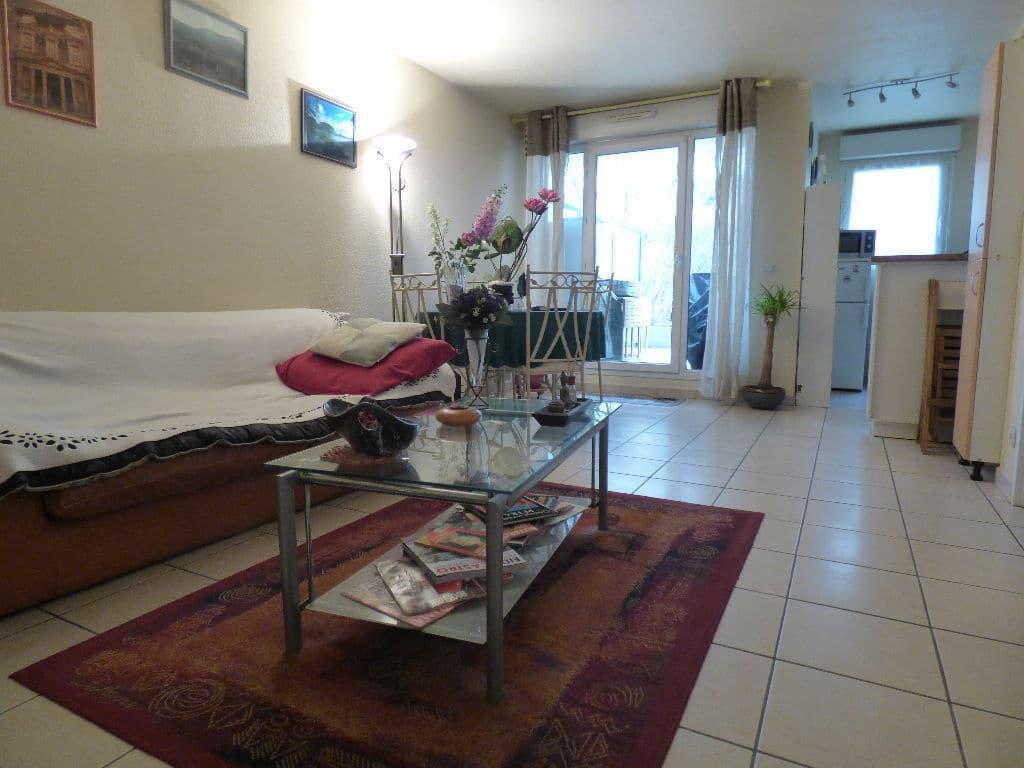 agence immo alfortville: 2 pièces 45 m², séjour avec terrasse donnant sur le jardin
