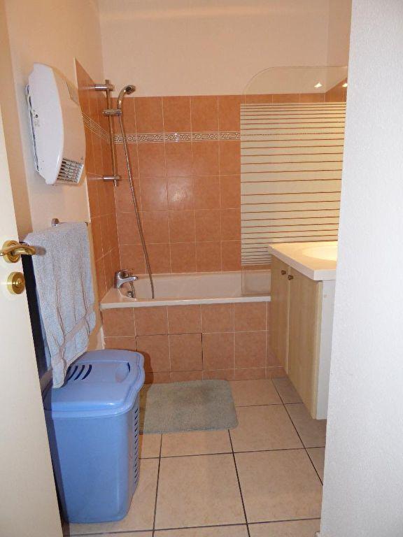 estimation appartement prix: 2 pièces 45 m², salle de bain avec baignoire, alforville