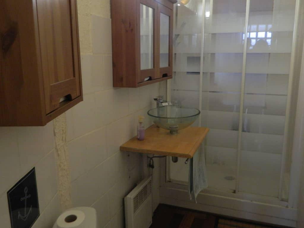 agence immo maisons alfort: maison 3 pièces 60 m², salle d'eau avec douche