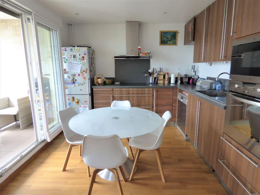 vendre appartement charenton: 4 pièces 72 m², cuisine us équipée sur vaste pièce à vivre