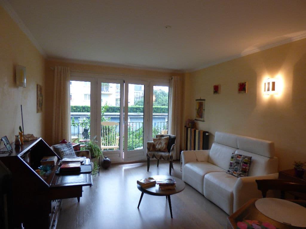 achat appartement alfortville: 2 pièces 49 m², pièce à vivre avec balcon, box extérieur