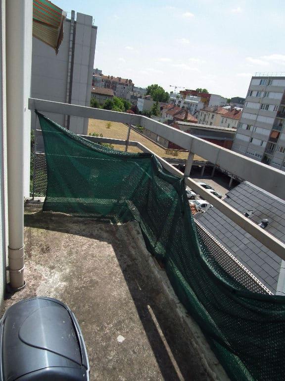 estimation appartement alfortville: 23 m², aperçu du balcon accès pièce à vivre