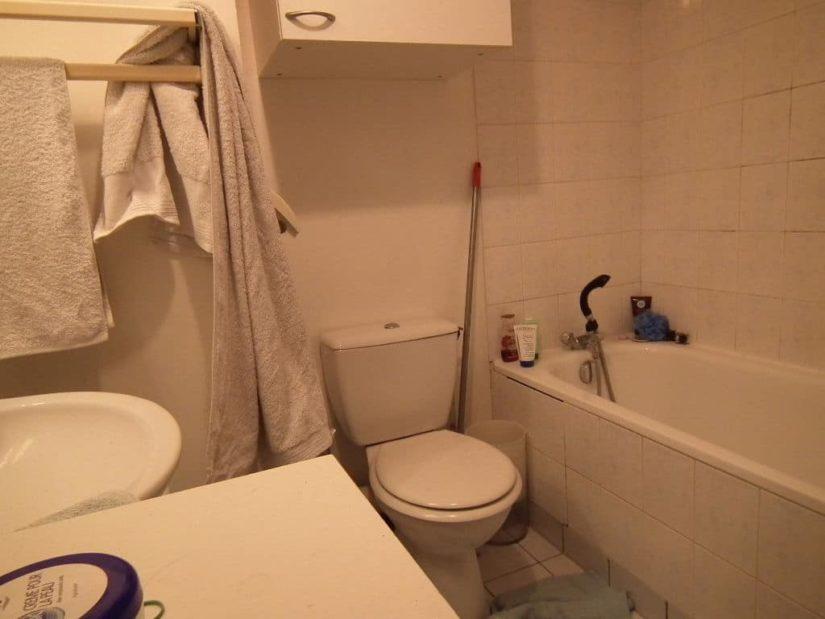estimer appartement alfortville: 23 m², salle de bains avec baignoire, lavabo et wc