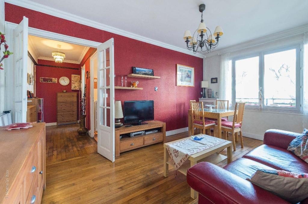vente appartement charenton le pont: 2 pièces 49 m², séjour avec parquet massif, secteur bois de vincennes