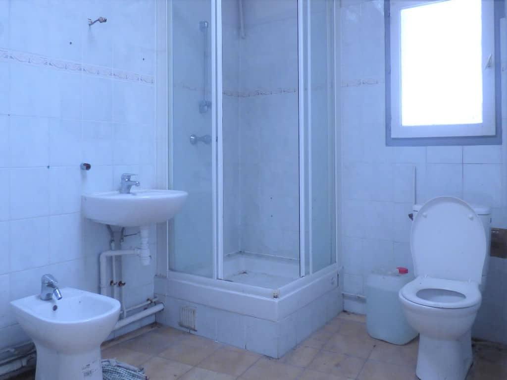 maison a vendre alfortville: 6 pièces 85 m², salle d'eau avec douche, lavabo, wc et bidet