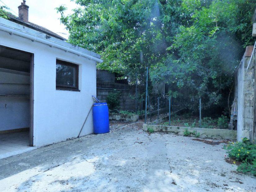 estimer maison alfortville: 6 pièces 85 m², aperçu de l'annexe et cour possibilité parking