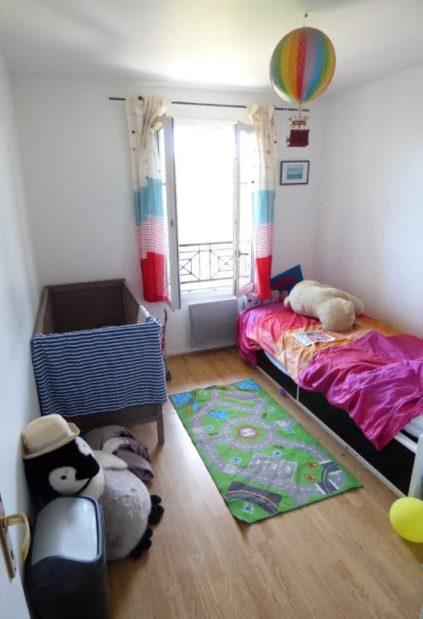 alfortville vente appartement: 3 pièces 56 m², chambre enfant, murs blancs, parquet clair