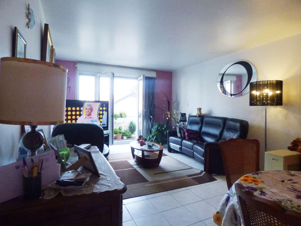 achat appartement alfortville: 3 pièces 70 m², salon / séjour avec accès balcon