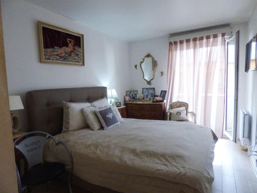 faire estimer appartement alfortville: 3 pièces 70 m², première chambre double accès balcon