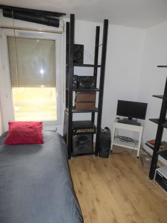 appartement a vendre alfortville: 3 pièces 63 m², deuxième chambre avec lit simple et rangements