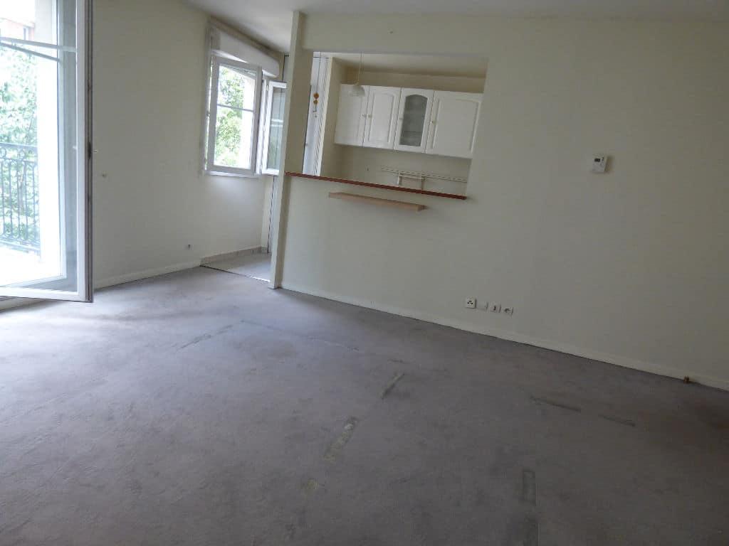 vendre appartement alfortville: 2 pièces 40 m², cuisine semi ouverte sur le salon accès balcon