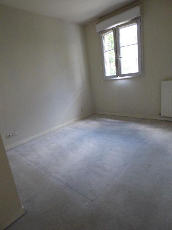 agence immo alfortville: 2 pièces 40 m², aperçu de la chambre lumineuse