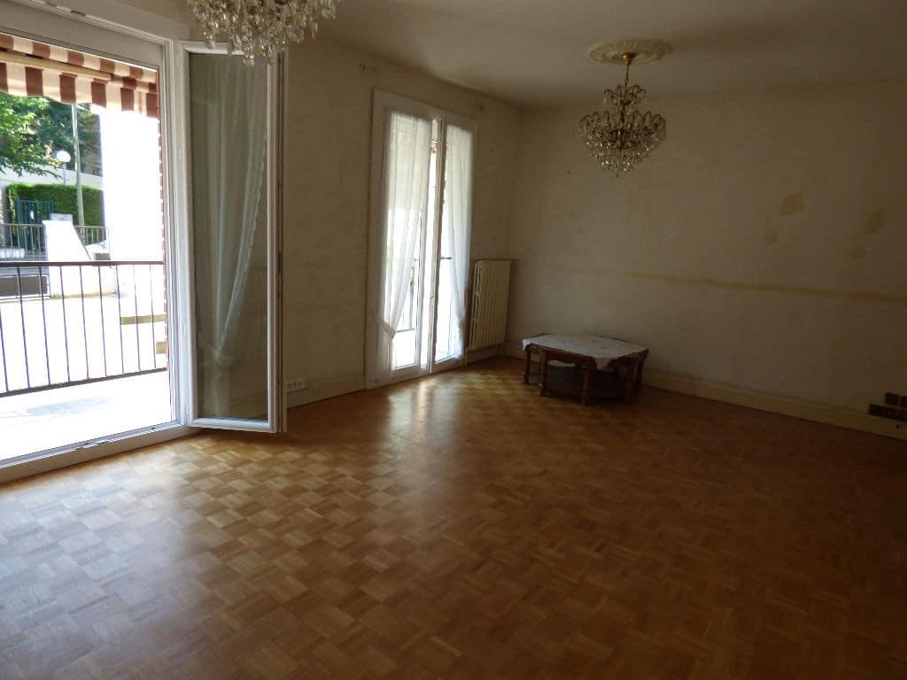 agence immo alfortville: 7 pièces 95 m², double séjour avec terrasse