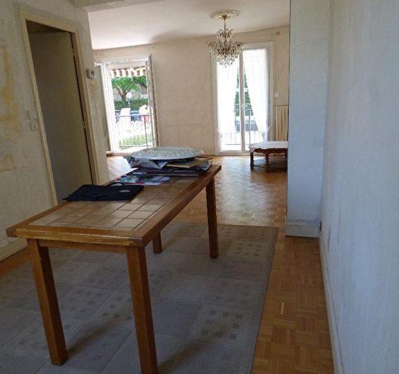 maison a vendre alfortville: 7 pièces 95 m², grande entrée donnant sur le double séjour