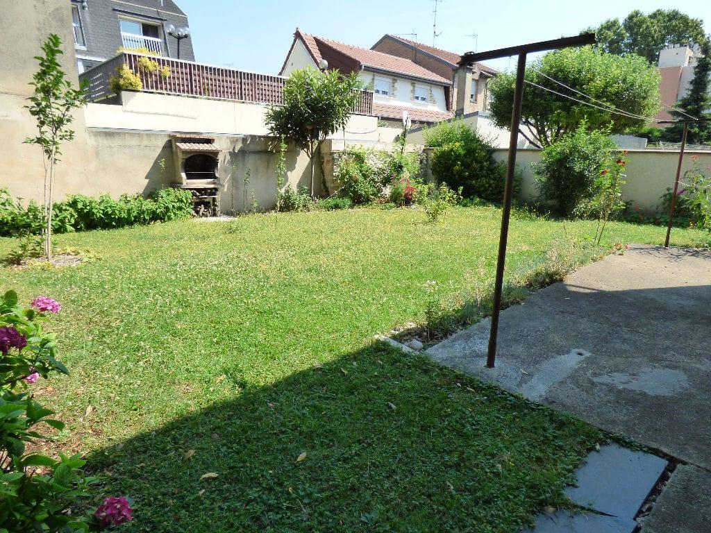 estimer maison alfortville: 7 pièces 95 m², jardin avec barbecue en pierre