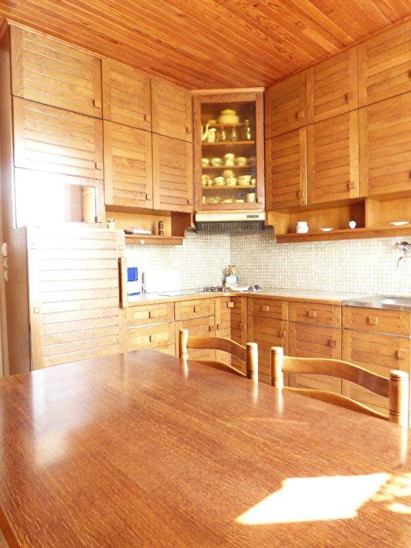 agence immo alfortville: 6 pièces 115 m², très bel espace pour cette cuisine indépendante