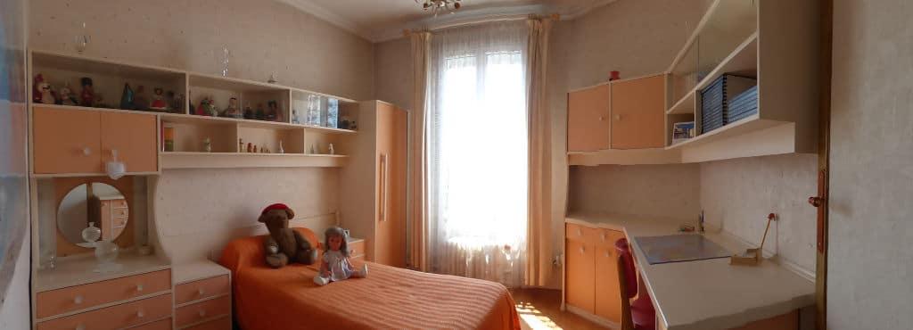 estimer maison alfortville: 6 pièces 115 m², chambre à coucher lumineuse pour enfant