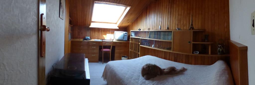 pavillon alfortville: 6 pièces 115 m², chambre à coucher avec lambris au mur