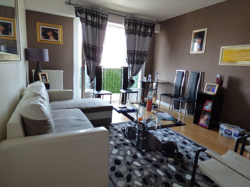 vente appartement 2 pieces alfortville: 2 pièces 45 m², séjour lumineux avec balcon