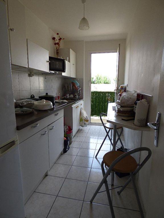 estimer appartement alfortville: 2 pièces, cuisine aménagée, plafonnier, balcon