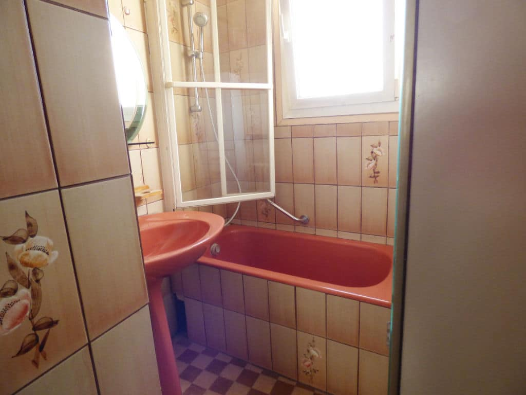 achat appartement maison alfort: 3 pièces 60 m², salle de bain avec baignoire