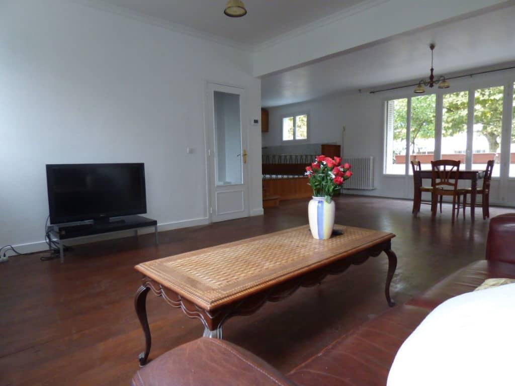 faire estimer appartement alfortville: 5 pièces 126 m², aperçu de la porte d'entrée