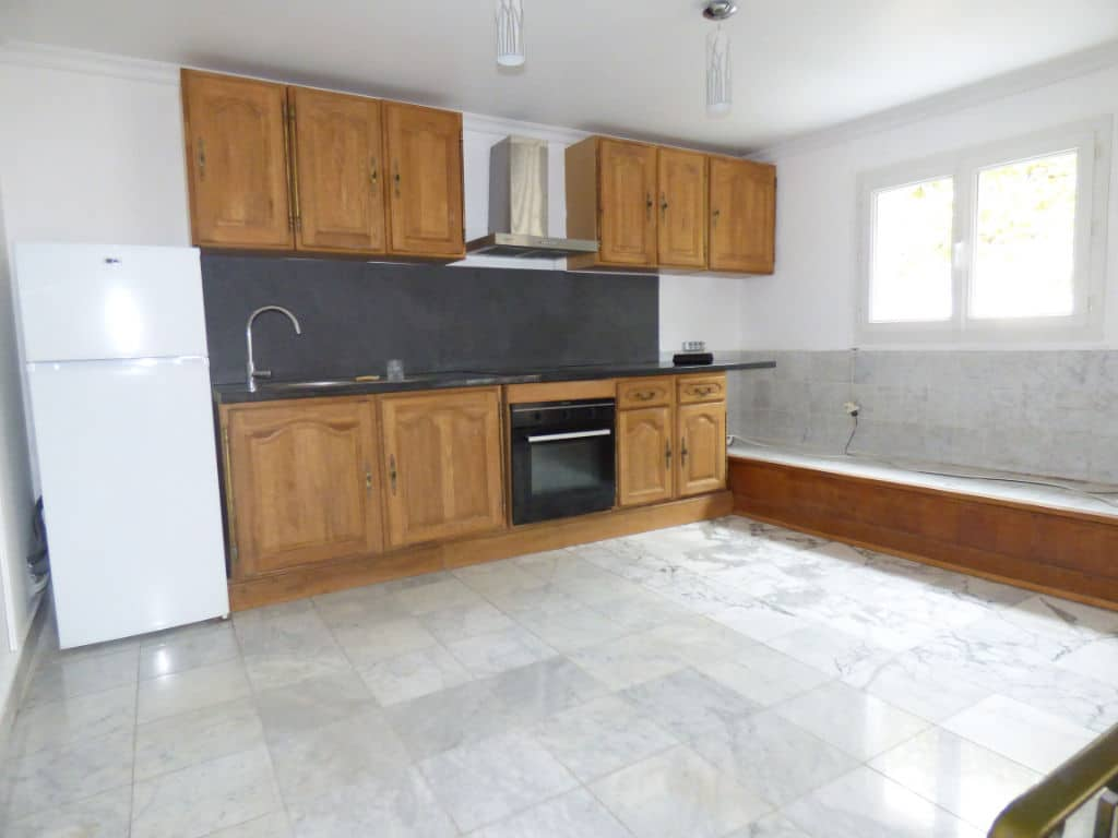 vendre appartement alfortville: 5 pièces 126 m², cuisine aménagée avec rangements