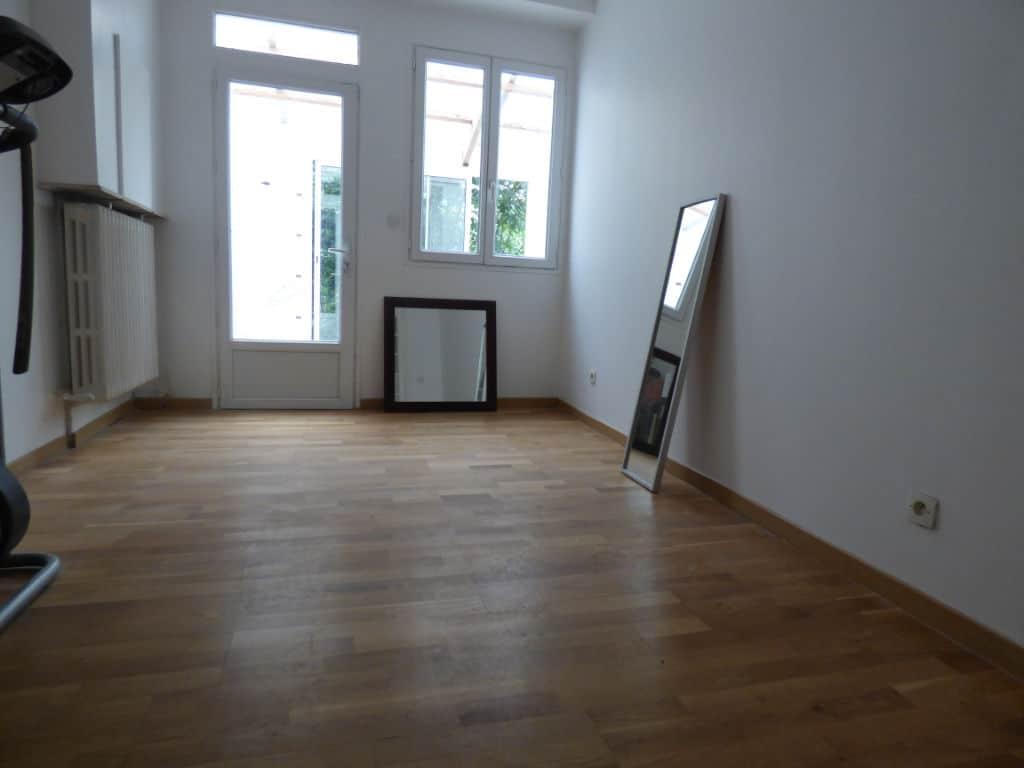 estimation appartement prix: 5 pièces 126 m², chambre avec belle luminosité par la véranda