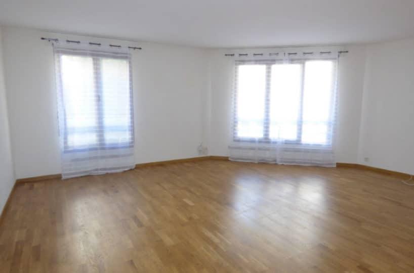 agence immobilière val de marne: 4 pièces, beau séjour lumineux avec 2  fenêtres à charenton