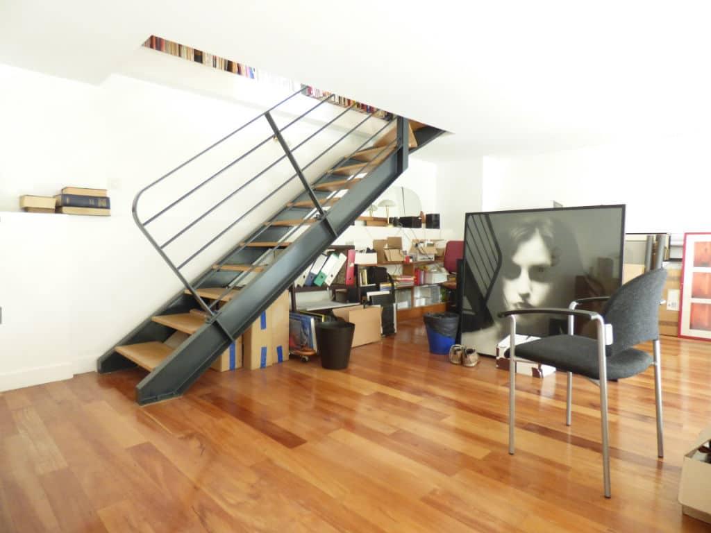 vendre maison alfortville: 5 pièces 154 m², escaliers qui donnent sur la mezzanine