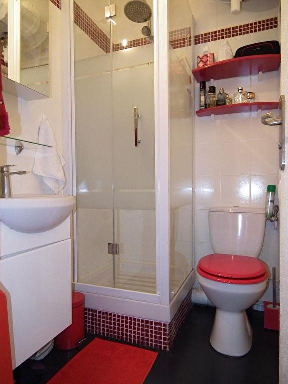 syndic alfortville: 2 pièces, salle d'eau avec douche, wc, étagère, nombreux rangements