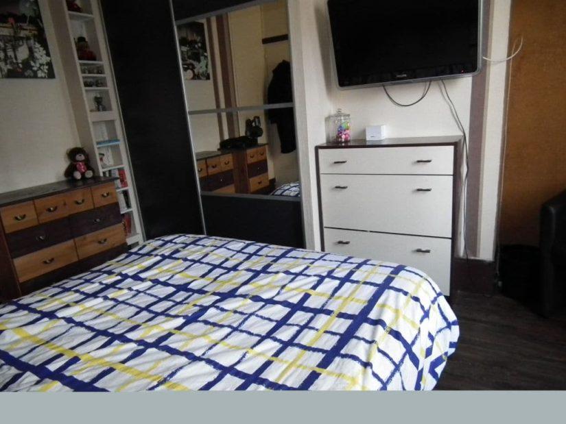 gestion locative alfortville: 2 pièces 29 m², chambre à coucher avec parquet au sol