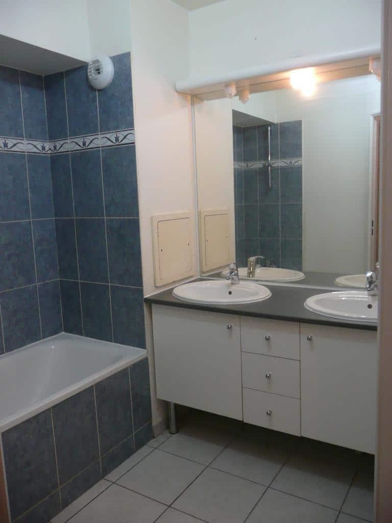 estimer appartement alfortville: 3 pièces 61 m², salle de bain avec baignoire, wc séparé