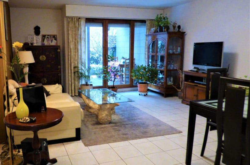 estimation appartement charenton: 2 pièces 44 m², salon / séjour avec belle terrasse arborée
