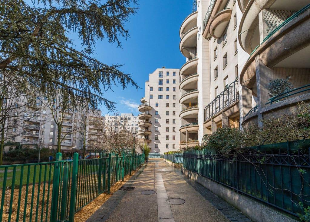 appartement à vendre à charenton-le-pont: 2 pièces 44 m², copropriété avec ascenseur et gardin