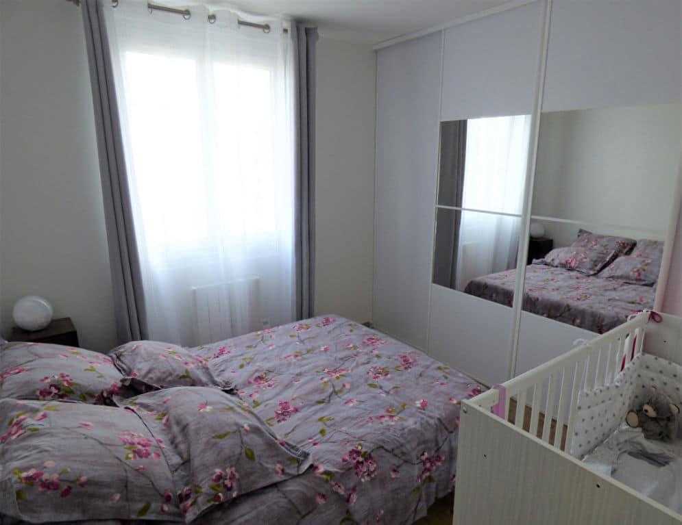faire estimer appartement alfortville: 2 pièces 42 m², chambre double avec dressing et lit bébé