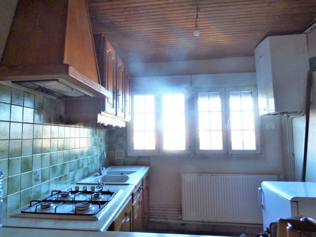 studio à vendre à maisons alfort: studio 30 m², cuisine aménagée et équipée
