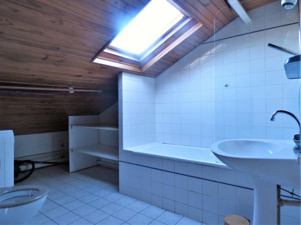 estimation appartement maisons-alfort: studio 30 m², salle de bain avec baignoire et wc