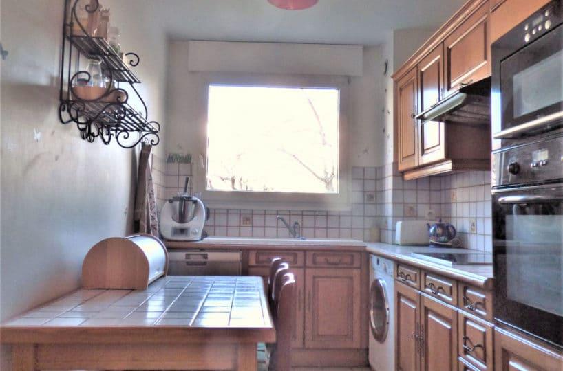 vente appartement maison alfort: 4 pièces 85 m², cuisine aménagée et équipée avec rangements