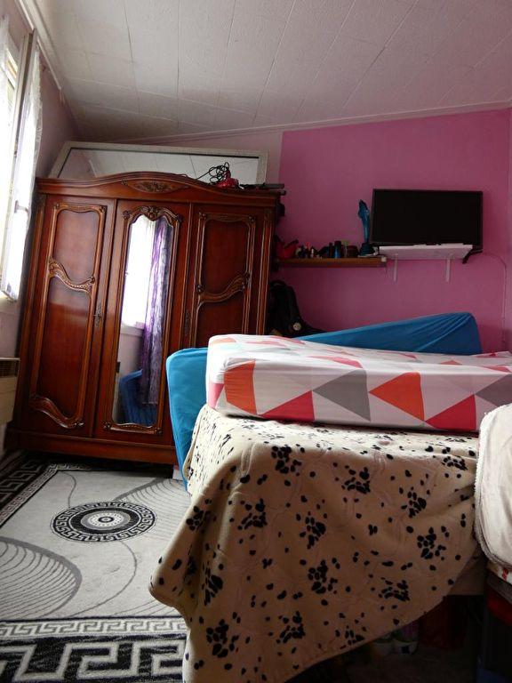 faire estimer appartement alfortville: 2 pièces, chambre à coucher, dalles au plafond