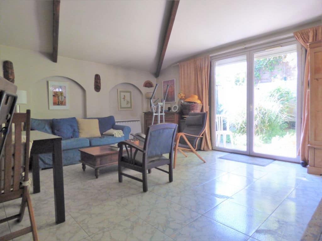 maison alfortville: 3 pièces 60 m², salon avec porte fenêtre donnant sur le jardin