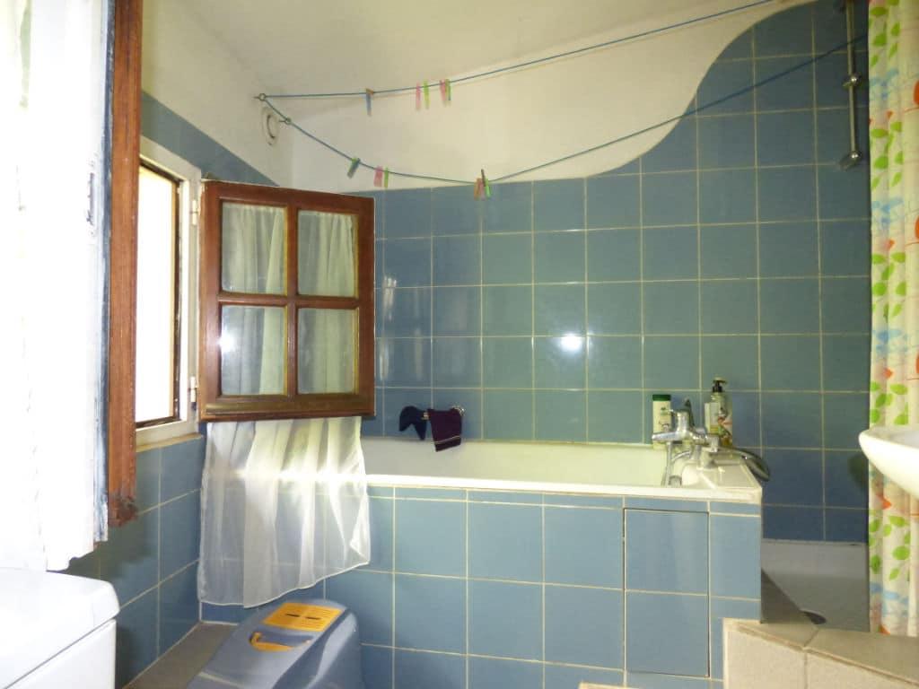 maison a vendre alfortville: 3 pièces 60 m², salle de bain avec douche