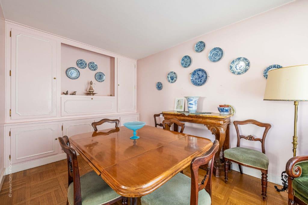 appartement à vendre à charenton: 5 pièces 100 m², séjour avec mobiliers de caractères