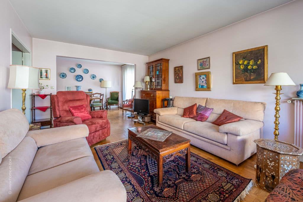 vente appartement 94220: 5 pièces 100 m², spacieux double-séjour avec accès à la terrasse