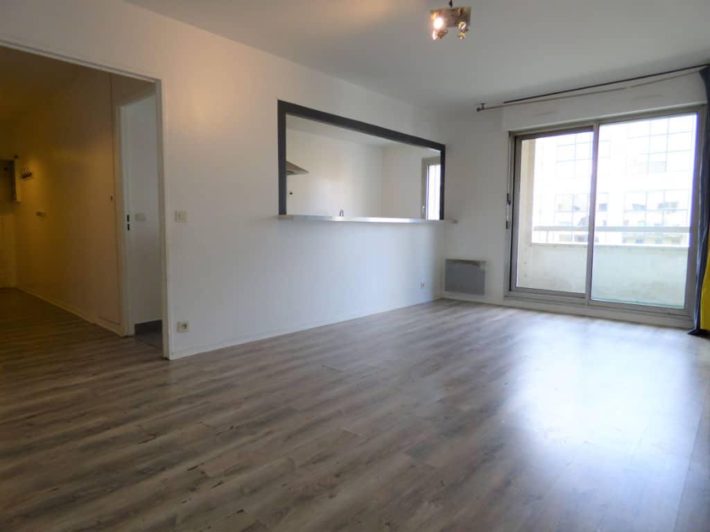 vendre appartement charenton: 3 pièces 71 m², pièce à vivre avec belle luminosité accès balcon