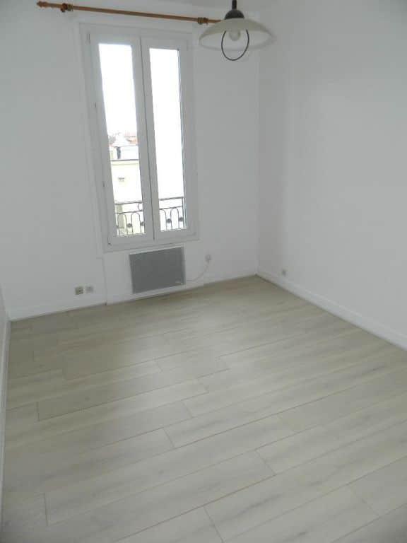 estimation appartement maisons-alfort: 26 m² au 1er étage, pièce à vivre lumineuse