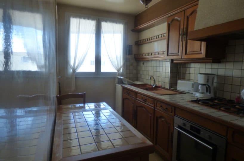 vente appartement maisons alfort: 3 pièces 74 m², cuisine indépendante équipée avec rangements