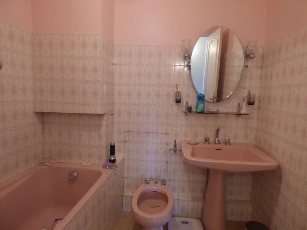 vente appartement maisons-alfort: 3 pièces 74 m², salle de bains avec baignoire, lavabo et bidet