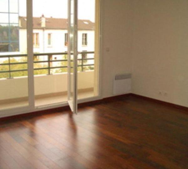 achat studio alfortville: 28 m², pièce à vivre lumineuse avec accès au balcon